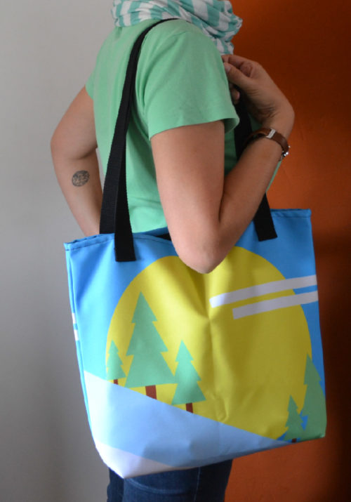 Mountain Tote Bag in action